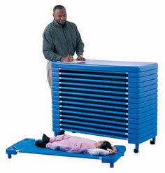 Heavy duty steel side pipes hold our moisture-proof beds, woven from vinyl-coated heavy duty polyester for long use. All bed seams are heat sealed by radio frequency welding to eliminate tears or loos