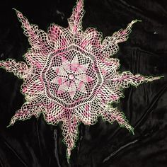 """Vintage Crocheted Doily Variegated Pink Green Edge Pretty 22"""""""