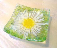 Daisy chain fused glass trinket bowl ...