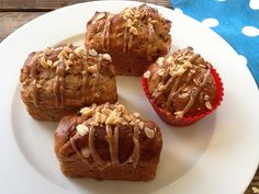Healthy Peanut Butter Banana Muffins : A peanut butter lover's healthy treat with a peanut butter drizzle. Perfect for breakfast or a teatime treat.