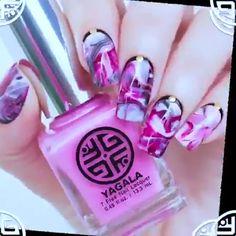 Nails videos Beautiful Nail Art Awesome nail art for girls. Cute Acrylic Nails, Cute Nails, Pretty Nails, Nail Art Hacks, Nail Art Diy, Hair And Nails, My Nails, Nail Art For Girls, Diy Nails Stickers