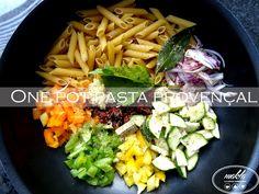 One pot pasta, l'expression ne vous évoque peut être rien ? Il s'agit tout simplement d'un procédé de cuisson des pâtes qui consister à mettre dans la casserole tous les ingrédien…