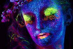 Flora Flora, Halloween Face Makeup, Neon Signs, Photography, Rainbow, Website, Fotografia, Places, Rain Bow