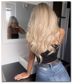 38 Icy Blonde Hair with Dark Roots Colour Ideas #blondehairideas #icyblondehair #blandehairclou | gratitude41117.com