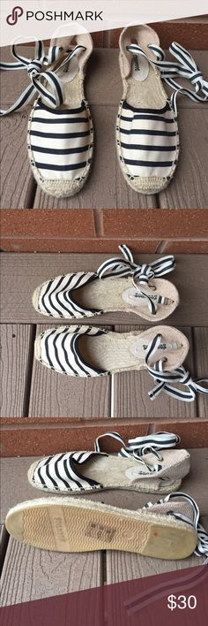 Soludos Striped Lace-Up Flats Soludos Striped Lace-Up Flats, women's size 7, WORN ONCE!! Still in perfect condition, flattering and comfortable flats, can wear with dressier outfit or wear with casual look! Soludos Shoes Flats & Loafers