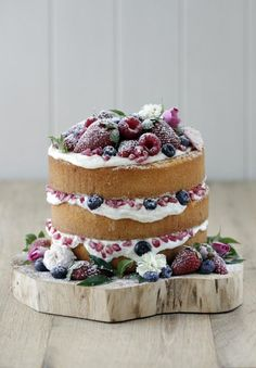 NAKED WEDDING CAKE.