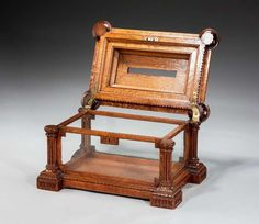 19th Century Oak Letterbox   HEIGHT:9 in. (23 cm) WIDTH:15 in. (38 cm) DEPTH:10 in. (25 cm)