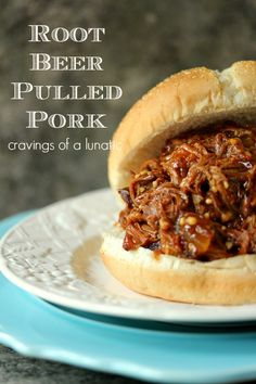 Slow Cooker Root Beer Pulled Pork ... I need to try this ...It looks SO GOOD! #slow_cooker #root_beer #pulled_pork #recipe