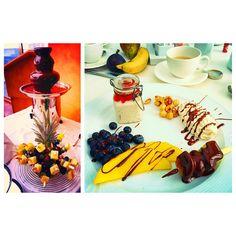 Chocolate fondue for breakfast? Five A Day, Chocolate Fondue, Berries, Fresh, Breakfast, Food, Morning Coffee, Eten, Bury