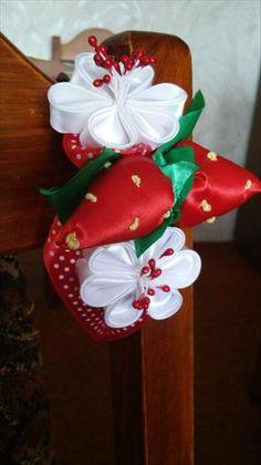 Użyj STRZAŁEK na KLAWIATURZE do przełączania zdjeć Kanzashi, Christmas Ornaments, Holiday Decor, Home Decor, Decoration Home, Room Decor, Christmas Jewelry, Christmas Decorations, Home Interior Design