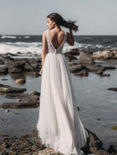 Vestidos de noiva - 10212 / Isabel Ribeiro - Vestidos de Noiva, Fato de Noivo e vestidos de cerimónia A Line Bridal Gowns, Wedding Gowns, Glamour, Suit Fashion, Your Photos, Album, Formal Dresses, Women, Future