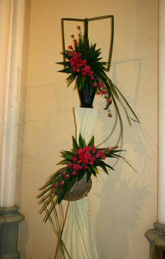 Contemporary Flower Arrangements, Unique Flower Arrangements, Unique Flowers, Exotic Flowers, Flower Centerpieces, Beautiful Flowers, Japanese Flowers, Arte Floral, Ikebana