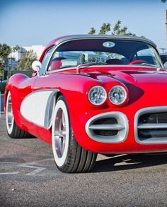 West Coast Customs team take #Will.i.am's idea of a classic 1959 #Corvette and fuse it with the modern amenities of a 2008 Corvette. What do you guys think? #spon #chevroletcorvette1959