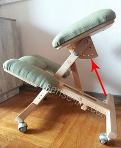 Smart Furniture, Home Decor Furniture, Furniture Making, Wood Furniture, Furniture Design, Used Woodworking Machinery, Woodworking Desk Plans, Easy Woodworking Projects, Kneeling Chair