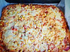 Füstölt tarjás tepsis pizza 🍕 Hawaiian Pizza, Cheese, Food, Gourmet, Meals, Yemek, Eten