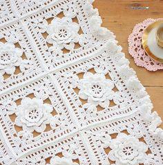 Granny Blanket, better pic of detailGranny Blanket my favorite kind.Cushions & pillows – Granny Decke – a unique product by bleuetrose on DaWanda Crochet Afghans, Crochet Bedspread, Crochet Granny, Baby Blanket Crochet, Crochet Motif, Crochet Doilies, Crochet Baby, Knit Crochet, Crochet Flowers