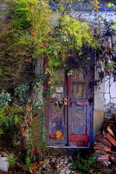 Old Door in Porto Salvo, Portugal