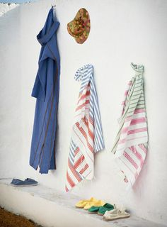 The Ultimate Travel Companion: A Turkish Peshtemal (towel) Summer Of Love, Spring Summer, Summer Heat, Turkish Bath Towels, Beach Shack, Textiles, Beautiful Stories, Ultimate Travel, Bath Accessories