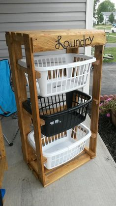 Pallet laundry baskets