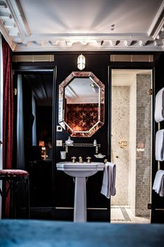 Hotel Providence (Paris), from Pierre Moussié. The 1854 building has only 18 rooms and 3 junior suites. The bathroom amenities were created by Buly 1803. Via Habitually Chic (9 December 2015).