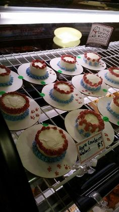 Yummy cakes for your pet, just in time for Labor Day.