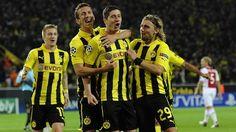 Sau sự ra đi của Lewandowski, Dortmund đã kịp thời bổ sung Adrián Ramos và Ciro Immobile thay thế. Qua những gì đã từng thể hiện trong màu áo các CLB cũ, chất lượng của 2 tiền đạo trên không hề tồi. Vấn đề chỉ là HLV Klopp cần nhanh chóng giúp họ thích nghi được nhanh nhất với môi trường mới.  http://ole.vn/video-bong-da.html,http://ole.vn/chuyen-chuong.html,http://tin24hnhanhnhat.blogspot.com/
