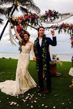 Matthew Morrison and wife Renee Morrison in Hawaii