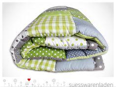 http://de.dawanda.com/product/41468518-Patchworkdecken-Krabbeldecke-Babydecke