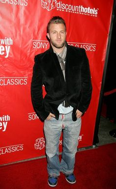 "Scott Caan Photos Photos - Actor Scott Caan arrives at the Sony Pictures Classics premiere of the film 'Friends with Money' held at The Egyptian Theatre on March 27, 2006 in Hollywood, California. - Sony Pictures Classics Premiere Of ""Friends with Money"" - Arrivals"