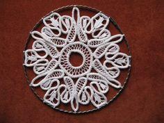 Makrameehäkelei (romanian point lace)