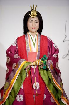 12 layered formal court dress in Heian era.  This is the kind of costume they had in mind for Katisha, but I know of no one who'se ever gotten it right.
