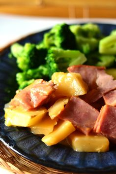 Slowcooker Scalloped Potatoes and Ham