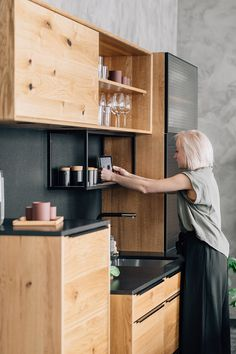 Kitchen Decor, Kitchen Ideas, Desk, Wood, Furniture, Kitchens, Home Decor, Coffee Mornings, Kitchen Wood
