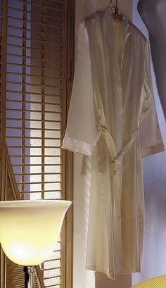 silk-bedding-cellini-design-seidenbettwaesche-055 #Silk bedsheet and duvet cover made in Germany by #Cellini Design. #Seidenbettwäsche aus reiner #Seide von #Spinnhütte Cellini Design aus Deutschland.