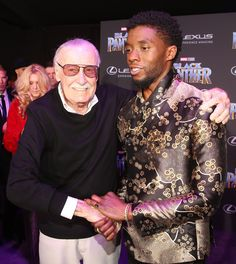 Stan Lee et al. posing for the camera: Stan Lee and Black Panther's Chadwick Boseman Marvel Memes, Marvel Dc Comics, Marvel Avengers, Black Panther Marvel, Celebrity Travel, Best Black, Stan Lee, Marvel Cinematic, Movies