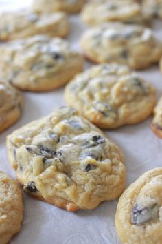 """Secret Ingredient Chocolate Chip Cookies - Mandy Jackson am quite sure that the sentence """"these cookies have too much vanilla and are GROSS"""" has never b Instant Pudding, Instant Vanilla Pudding Recipe, Vanilla Pudding Cookies, Vanilla Pudding Recipes, Pudding Desserts, Chocolate Chip Pudding Cookies, Homemade Chocolate Chip Cookies, Perfect Chocolate Chip Cookies, Chocolate Chip Recipes"""