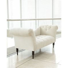 White Pandora Settee (21,055 MXN) ❤ liked on Polyvore featuring home, furniture, sofas, bench, chairs, antique white, antique white furniture, off white sofa, beige sofa and tufted sofa