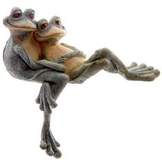 Cuddling Frogs Garden Ornament