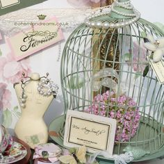 Lampert Lampert Smith I thought this might be cute decoration for jennas bridal shower Pretty Birds, Beautiful Birds, Shabby Chic Crafts, Bird Cages, Cottage Chic, Bird Houses, Wedding Stationery, Bridal Shower, Decorative Boxes