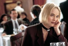 sharon stone as carly norris in 'sliver' High School Fashion, 90s Fashion, Sharon Stone Sliver, Sharon Stone Hairstyles, Kim Basinger Now, Blonde Aesthetic, Plus Size Model, Celebs, Celebrities