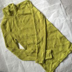 Athleta Top! Athleta green long sleeved top! Mossy green color! 90% nylon 10% spandex! Comfortable! Athleta Tops Tees - Long Sleeve