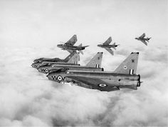 The English Electric Lightning Britains last truly indigenous supersonic jet aircraft. The English Electric Lightning Britains last truly indigenous supersonic jet aircraft. Military Jets, Military Aircraft, Navy Aircraft, Fighter Aircraft, Fighter Jets, War Jet, Aviation Image, Aircraft Photos, Jet Engine