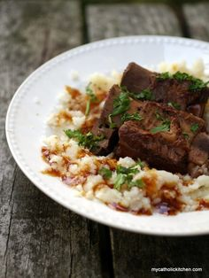 Slow Cooker Short Ribs Braised in Wine