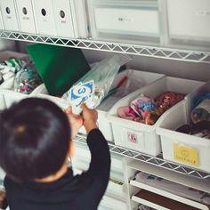 """写真仲尾知泰3日間の連載で、整理収納アドバイザーのEmiさん(『OURHOME』主宰)に、""""家族のシアワセ""""につながる収納術を伺っています。「家族のシアワセは、暮らしの基本となる『家』から。」というコ"""