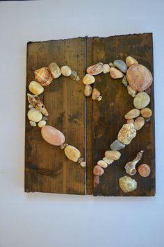 Foto van Koper Brenda Sweet die dit item heeft beoordeeld met de Etsy app for iPhone. Beach Rocks Crafts, Rock Crafts, Fun Crafts, Arts And Crafts, Seashell Art, Seashell Crafts, Nature Crafts, Decor Crafts, Stone Crafts