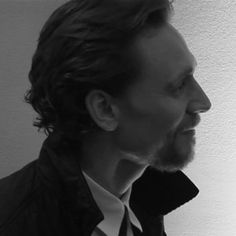 Profile, neck, scruff, wavy hair, that damned tongue... Whoever came up with this knew exactly what they were doing. I'm going to go find a cliff from which to throw myself. *gif