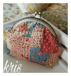patchwork case for key Sashiko Embroidery, Japanese Embroidery, Boro Stitching, Frame Purse, Patchwork Bags, Crazy Patchwork, Purse Patterns, Fabric Bags, Hand Quilting