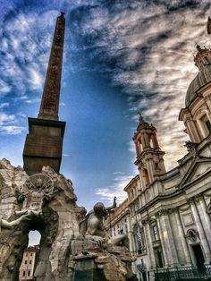 #Roma nella gloria arrogante di piazza Navona  Ph. @999nuvola