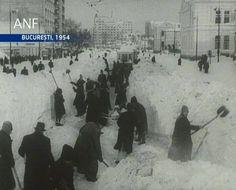 My Mom remembers this winter, 1954, Bucharest, Romania, În fața Spitalului Colțea
