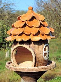mmb Clay Houses, Ceramic Houses, Ceramic Birds, Ceramic Pottery, Pottery Art, Ceramic Art, Garden Whimsy, Garden Deco, Ceramics Projects